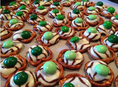 st patricks day kids recipes-mnm, pretzels, frosting