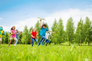 3 Ways to Get Your Kids Playing Outdoors on blog.jumpsport.com